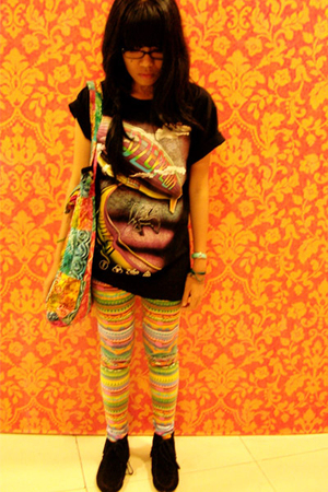 rock chang t-shirt - accessories - Split leggings - Minnetonka boots