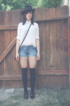 ivory thrifted top - black thrifted bag - blue jean DIY shorts