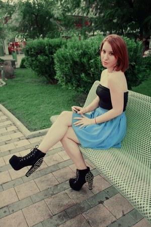 My1stWish heels - ark skirt - H&M top