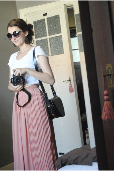 H&M skirt - Zara bag - H&M t-shirt