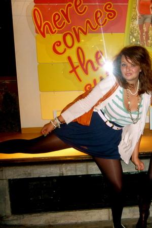 American Apparel skirt - Topshop belt