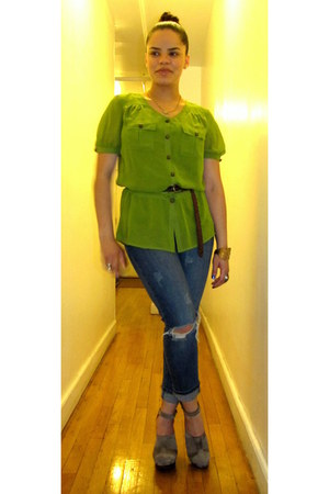 chartreuse Worthington blouse - tan Urban Outfitters clogs