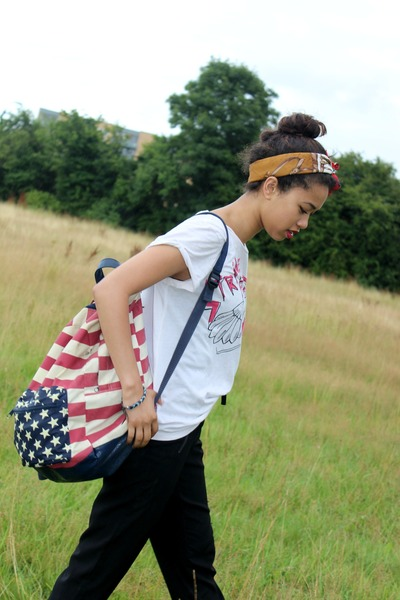 ruby red american flag Primark bag - black H&M boots
