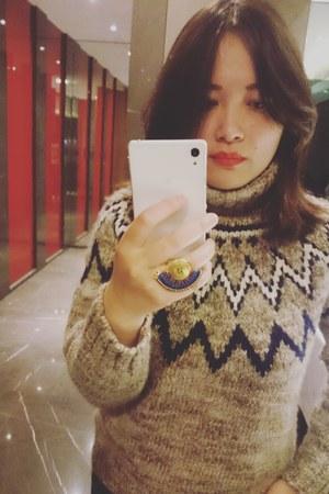 INED sweater - handmade ring - nyx lipstick accessories
