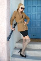 beige Leather Lace And Velvet Vintage blazer - black American Apparel dress - be