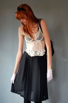 white vintage top - white vintage gloves - black Leather Lace And Velvet Vintage