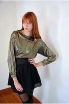 Gold-leather-lace-and-velvet-top-black-h-m-skirt-black-american-apparel-tigh