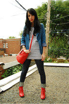 red BC boots - white H&M dress - navy Levis jeans - blue vintage blazer