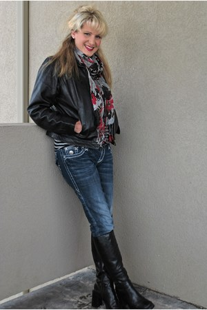 black leather boots Expressions boots - Buckle jeans - black leather jacket GNW