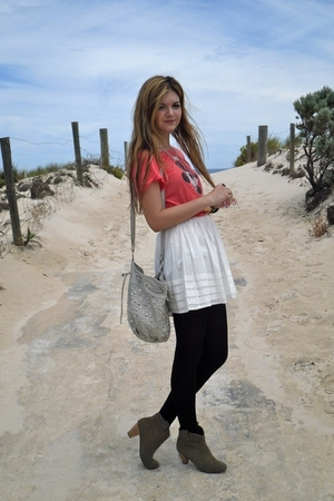 red Cotton On Body t-shirt - white bardot skirt