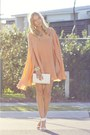 Nude-cape-wayne-cooper-dress-white-vintage-bag-white-topshop-heels