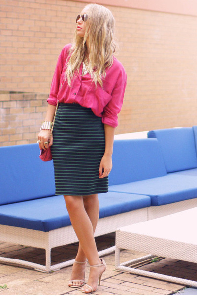 forest green POL skirt - pink vintage bag - Ray Ban sunglasses