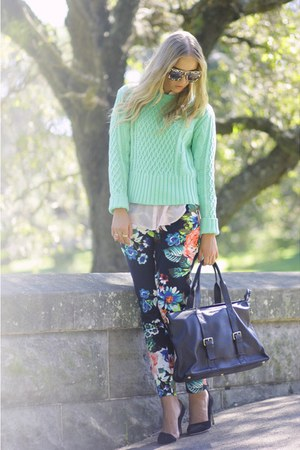 acne sweater - ANTOINE & STANLEY bag - ANTOINE & STANLEY sunglasses - H&M pants