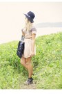 Peach-pinclove-dress-black-vintage-hat-black-custom-made-bag