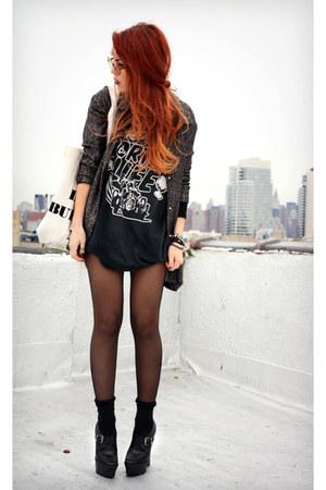 amethyst vintage blouse - black vintage t-shirt