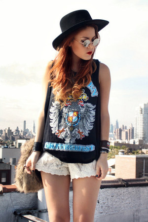 black vintage t-shirt - black vintage hat - white Chicwish shorts
