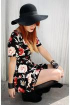 black vjstyle boots - crimson vitntage dress