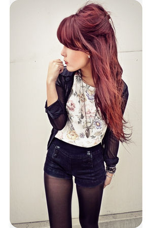 Forever 21 shorts - white vintage top - black Express blouse