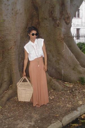 long maxi selfservice skirt - pic nic basket bag - lundun sunglasses