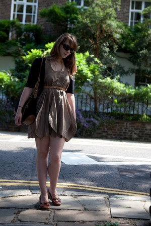 camel Modstrom dress - dark brown rayban sunglasses - brown APC loafers - black