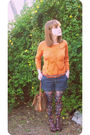 Orange-vintage-silk-sweater-blue-gap-shorts-orange-vintage-belt-brown-bets