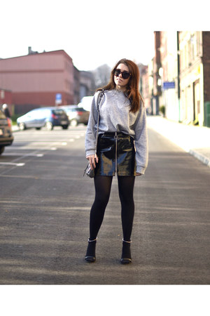black patent leather Zara skirt - heather gray second hand sweatshirt