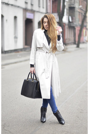 eggshell trench coat H&M coat - black ankle boots Mango boots
