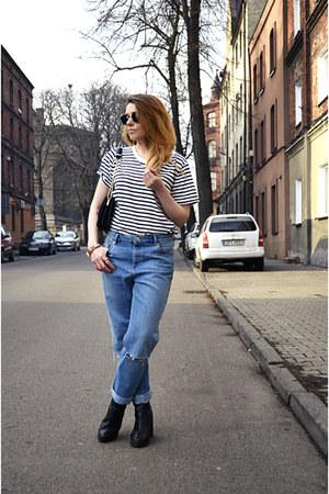 black ankle boots Stradivarius boots - sky blue boyfriend jeans asos jeans