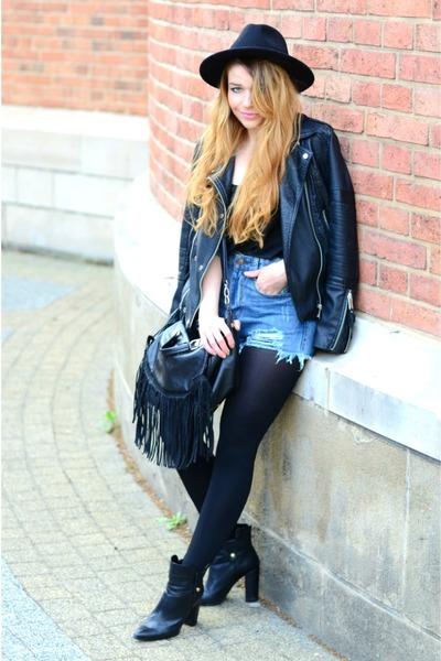 black ankle boots Mango boots - black Zara hat