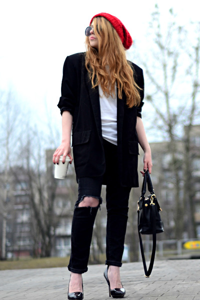 black ripped jeans H&M jeans - ruby red beanie second hand hat