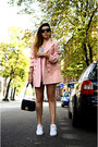 Light-pink-80s-vintage-blazer-white-superstar-adidas-sneakers