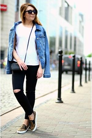 light blue denim jacket Orsay jacket - black Mango bag