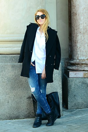 black oversized H&M coat - navy ripped H&M jeans - black lindex bag