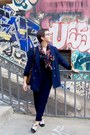 Black-texto-shoes-navy-vintage-jacket-ruby-red-vintage-scarf