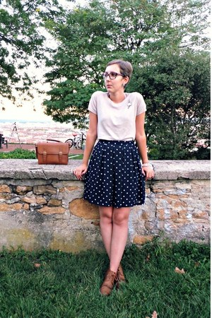 navy H&M skirt - brown andré boots - brown asos bag - beige Zara top