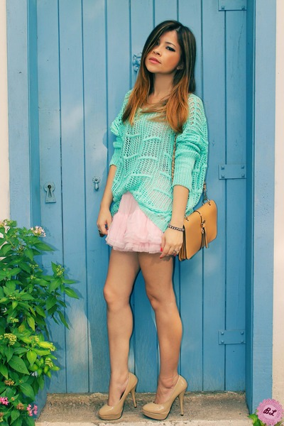 aquamarine cardigan - beige bag - bubble gum skirt - beige pumps