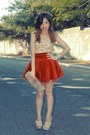 Red-skirt-beige-shoes-nude-bag-yellow-top