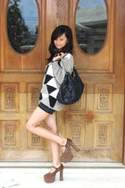tawny cheetah heels Doll heels - black snake-skin bag Chanel bag