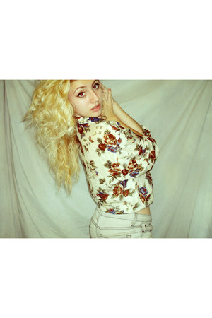 floral print blouse - off white jeans