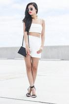 choker vanessa mooney necklace - round Ray Ban sunglasses - Tibi heels