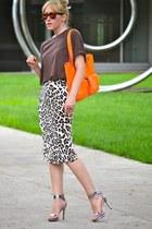 orange leather unknown bag - brown leopard print Bluemarine skirt