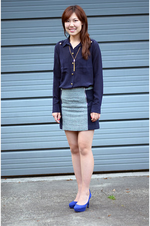 navy Club Monaco shirt - light blue Club Monaco skirt