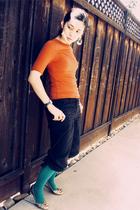 H&M earrings - Mossimo shirt - H&M pants - xhilaration stockings - Rocket Dog sh