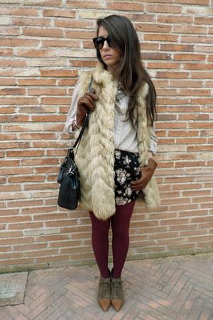Zara boots - Oysho shorts - BLANCO blouse