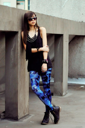 black black tank Forever 21 top - blue tie dye Bazaar leggings