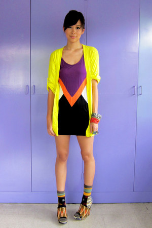 v cut Random Dress dress - bright bench cardigan - printed julian louie x Aldo w