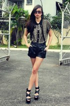 black leatherette the foz shop shorts - black strappy SteveMadden wedges - brown