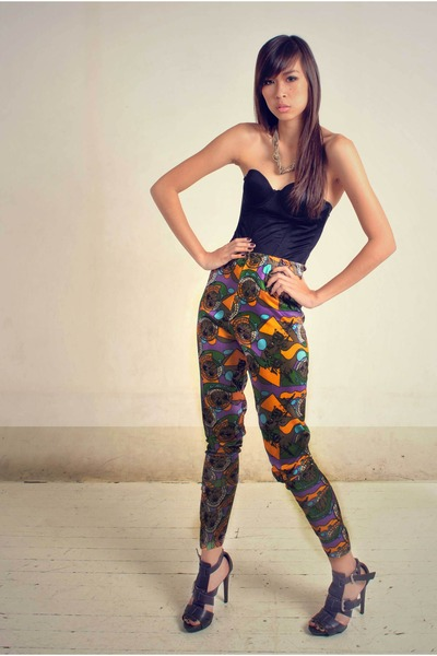 black corset Soule Phenomenon intimate - carrot orange printed TYR pants