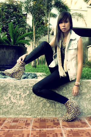 light blue denim DIY vest - dark brown leopard wedges Asian Vogue shoes