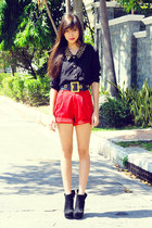 black with bow Forever 21 boots - red high waist The Second Shop shorts - black